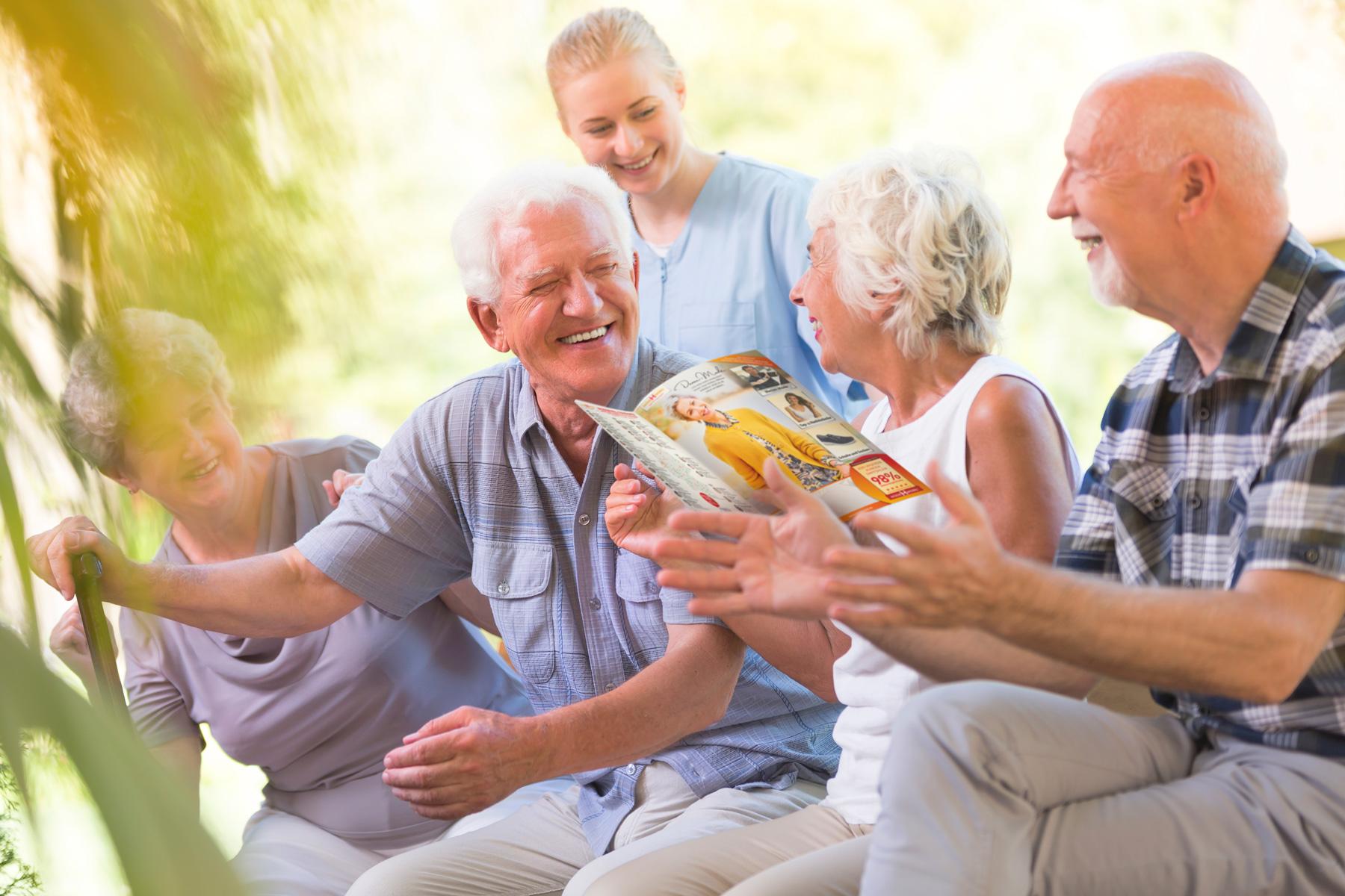 Senioren lesen Modemobil